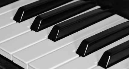 music piano keyboard white